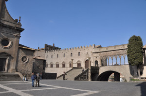 Palazzo-dei-Papi-Viterbo2013a